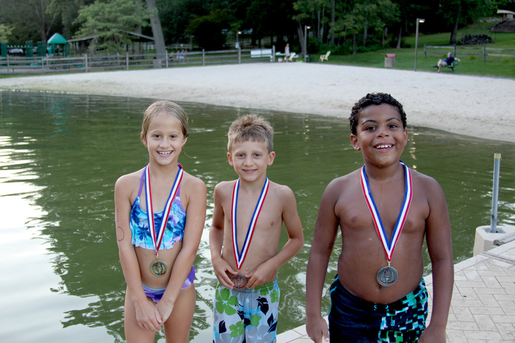 Ages 8 & Under Winners:  (above l-r)  Katelyn Johnstone, Owen Lapetina, Damien Errickson.