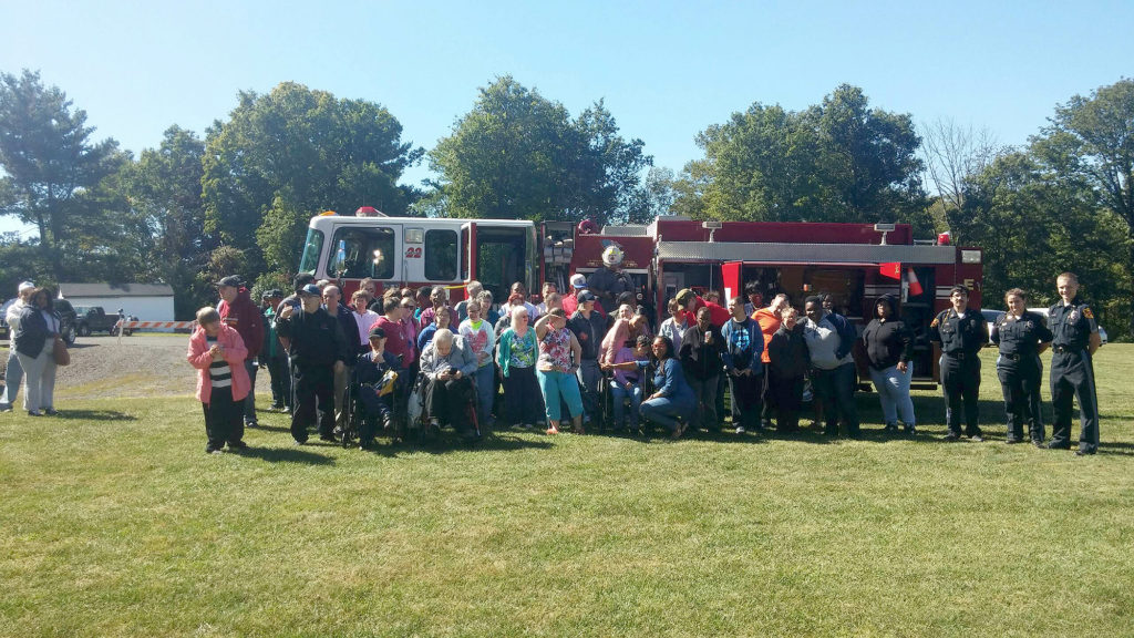 our-house-picnic-stirling-fire-dept-and-residents-sept-2016